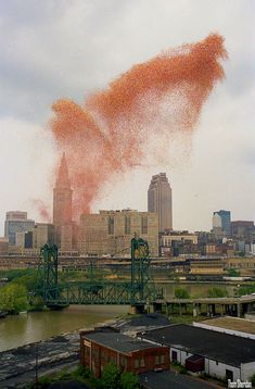 In 1986, the United Way attempted to break the world record for balloon launches, by releasing 1.5 million balloons all at once in downtown Cleveland, Ohio.