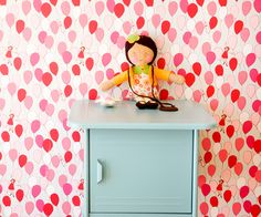 Bold wallpaper #kidsroom