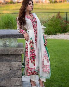 Our national dress is the shalwar kameez, not the niqab Punjabi Fashion, Asian Fashion, Women's Fashion, Pakistani Outfits, Indian Outfits, Pakistani Couture, Indian Attire, Indian Wear, Punjabi Dress