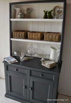 Last week I finished this huge Hamptons Style Buffet and Hutch  in Graphite and Pure White Chalk Paints by Annie Sloan, and today I am givi...