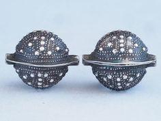 "*!* 2 Antique ""AGRAB AL FADDA"" SILVER beads. MAURITANIA"