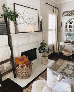 Fall Living Room, Living Room Decor Cozy, Living Room Interior, Home And Living, Farmhouse Living Room Decor, Living Room Redo, Fall Home Decor, Cozy House, Living Room Designs