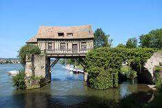 Le vieux moulin de Vernon dans le département de l'Eure et la région Haute-Normandie, aux portes de la Normandie