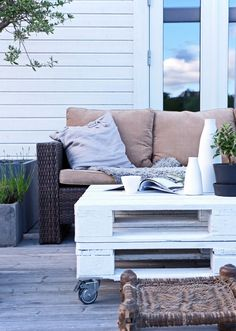 STIL INSPIRATION Outdoor living. Rough and simple with a soft touch