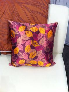 Detalle de #cojin con diseño de @priscillavm #cushion #travesseiros #patterndesign https://digilabel.com/es_es/decoracion-interior/cojin