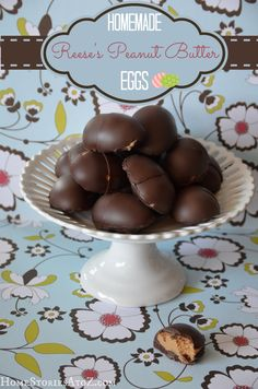 Homemade Reeses Peanut Butter Cup Egg Recipe - Home Stories A to Z Reese Peanut Butter Eggs, Homemade Peanut Butter Cups, Homemade Candies, Easter Recipes, Egg Recipes, Sweet Recipes, Holiday Recipes, Holiday Ideas, Recipies