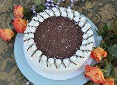 """Jen málokdo ví, že Čechy jsou v cizině proslulé i díky výjimečnému dortu. Že jste o receptu na """"český dort"""" ještě nikdy neslyšeli? Skutečně existuje! Zkuste ho a neprohloupíte; je bezkonkurenční, přímo famózní. Tiramisu, Birthday Cake, Cooking Recipes, Ethnic Recipes, Sweet, Food, Tv, Pies, Backen"""