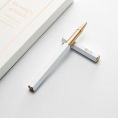 Metal Pen, Brass Metal, Solid Brass, Copper, Pen Brands, Journal Du Design, 3d Cnc, Pen Design, Feathers