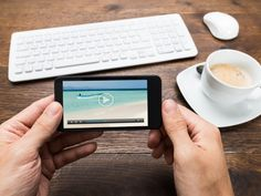 Why Use Videos In eLearning? Want to know how to effectively use Videos In eLearning? Check 5 tips on how to effectively use Videos In eLearning. Inbound Marketing, Content Marketing, Social Media Marketing, Marketing News, Mobile Marketing, Digital Marketing, Ver Video, Video 2017, Elearning Industry