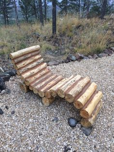 Construct this modern log lounger and relax in style. 13 DIY Projects Just In Time For Summer Rustic Outdoor Furniture, Twig Furniture, Coaster Fine Furniture, Garden Furniture, Cabin Furniture, Western Furniture, Antique Furniture, Furniture Design, Log Projects