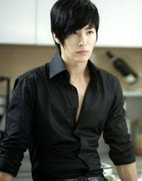 No Min Woo (Rose, the former drummer of TRAX).