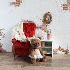 New interior  for my Blythe, and new teddybear The armchair is covered with a vintage Soviet plush #miniature  Новый интерьерчик для #Blythe и новая тедди-мишка Маша
