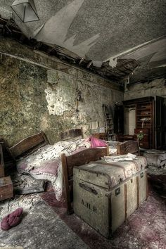 BULL MANOR... March '14 - Derelict Places