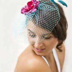 Magenta ozdoba a tyrkysový závoj / Samodiva - SAShE. Bridal Hair Accessories, Veronica, Magenta, Wedding Decorations, Bride, Jewelry, Design, Fashion, Wedding Bride