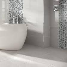 Resultado de imagen para travertine grey bathroom