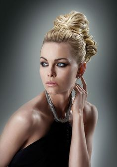 Ken Paves shows you how to create 3 different looks using Hairdo pieces #extensions #updo #bangs #braid #hairtutorial