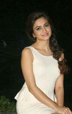 Fuckable babe! Beautiful Bollywood Actress, Most Beautiful Indian Actress, Beautiful Actresses, Indian Actress Photos, South Indian Actress, Indian Actresses, Kirti Kharbanda, Bollywood Pictures, Bollywood Girls