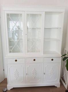 Möbel verschönern. China Cabinet, Storage, Furniture, Home Decor, Light Switches, Purse Storage, Crockery Cabinet, Store, Interior Design