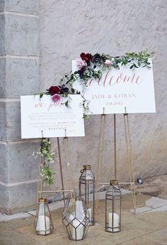 geometrische Kerze Laternen und Kupfer Hochzeitsschild Deko Ideen für moderne minimalistische Thema