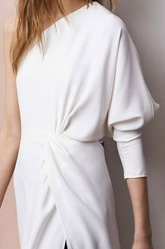 http://www.pinterest.com/sqchoi/twisted-%2B-draped/  pleat + volume / chloe / resort 2015