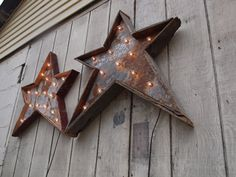 "Christmas holiday star Light fixture "" Farm Punk"" vintage inspired metal sign barn wood, how cool ! Christmas Star, Primitive Christmas, Country Christmas, Christmas Lights, Christmas Decor, Shabby, Twinkle Twinkle Little Star, Home And Deco, Metal Signs"