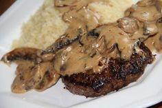 Une sauce sublime sur de simples steaks hachés et voilà un bon repas en perspective ! STEAKS HACHES SAUCE FORESTIERE Pour 2 personnes...