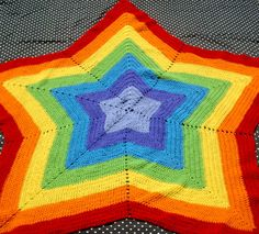 Rainbow Star Afghan by couldvebeendifferent. - possibly in red/white/blue? Patriotically adorable!!!