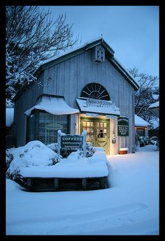 Coffee Shop, Smithville, NJ This place looks delightful, oh how I would love to go in here and sit with a lovely cup of coffee.I can smell the coffee aromas right now! I Love Snow, I Love Winter, Let It Snow, Winter Time, Snow Scenes, Winter Scenes, Best Espresso, Espresso Coffee, Hot Coffee