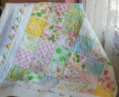 happy little cottage - love the inside of prairie points in matching prints of the blocks against white