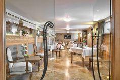 Odwiedź galerię stylowych sal restauracyjnych Lipcowego Ogrodu. Kiedy już nas odwiedzisz przekonasz się, że zdjęcia to tylko namiastka, ponieważ nasze wnętrza zawsze wypełnia wyjątkowa atmosfera.