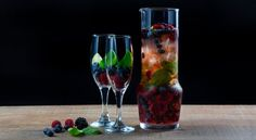 Como fazer sangria Cocktails, Drinks, Healthy Cooking, Tapas, Champagne, Food And Drink, Tableware, Desserts, Recipes