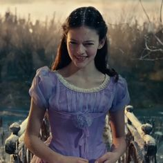 Mackenzie Foy, aka Princess Clara, challenges the laws of physics in the final trailer for The Nutcracker and the Four Realms.In the flick, Clara receives a key that holds a priceless gift – a golden … Disney Wiki, Disney S, Disney Movies, Disney Princess, Mackenzie Foy, The Scarlet Pimpernel, Elizabeth Mcgovern, Ballet Russe, Art Photography Portrait
