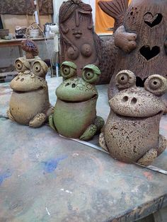 Clay Projects, Clay Crafts, Ceramic Pottery, Ceramic Art, Crochet Wall Art, Concrete Crafts, Terracota, Clay Figurine, Paperclay