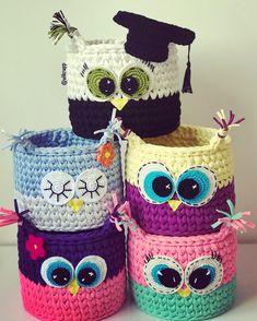 Cestos organizadores coruja 15cm de diâmetro por 15cm de profundidade Owl Crochet Patterns, Crochet Basket Pattern, Crochet Bowl, Crochet Yarn, Crochet Crafts, Crochet Projects, Knitting, Instagram, Crochet Beach Bags