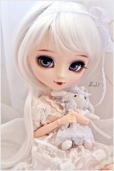 ❤ 13th Pullip ❤ *Name: Ivy *Model: Pullip Classical White Rabbit] *birthday date: 2th April 2013 *changes: -Obitsu SBH-M -Rewigged -Rechipped