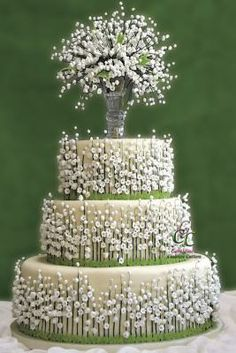 Lilies of The Valley Cake <3 my all time favourite cake <3 just stunning!