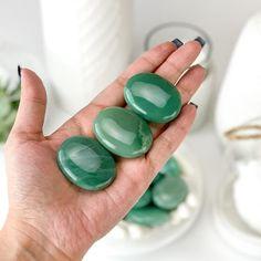 Obsidian Stone, Green Quartz, Black Mirror, Chakra Stones, Green Aventurine, Clear Quartz, Healing Stones, Stones And Crystals, Gemstones