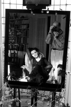 Juliette Binoche by Edouard Boubat, is a French art photographer, photojournalist ,who travelled the world for the magazine Réalités. Photographer Self Portrait, Become A Photographer, Portrait Photography, Street Photography, Juliette Binoche, Robert Doisneau, Fondation Cartier, New York City, Portraits