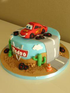 Lightning Mcqueen (Disneys' Cars) Birthday Cake