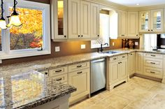 Pass thru to living room Traditional Antique White Kitchen Cabinets Glazed Kitchen Cabinets, Kitchen Cabinet Colors, Painting Kitchen Cabinets, Kitchen Redo, Kitchen Countertops, White Cabinets, Kitchen Ideas, Kitchen Tile, Cream Cabinets