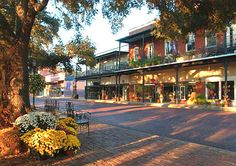 Natchitoches, Louisiana (pronounced Nak-i-dish): meat pies, Christmas on the river, that little town where Steel magnolias was filmed