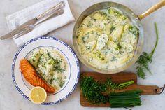 Dillstuvad potatis – husman med nutidstänk. Görs med fördel av gårdagens rester. Passar till mycket. Och hör här, potatis och sås i ett. Bra, inte sant!? Camembert Cheese, Food, Meal, Hoods, Eten, Meals