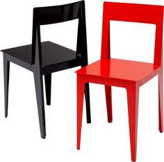 """LA PLIEE  Marie-Aurore Stiker-Metral Im Rahmen der VIA Designförderung von Marie-Aurore Stiker-Metral, Studentin bei der ENSCI, entwickelter Designstuhl. LA PLIEE bedeutet """"Die Gefaltete"""". Das Material, Stahlblech, gestanzt, gefaltet und geformt, ähnlich wie bei einem Origami, gibt dem Stuhl nicht nur seine Stabilität, sondern auch seine besondere Ästhetik: eigenständig, sehr leicht, straff und dynamisch.  Stuhl B 38 cm T 41,5 cm H 75 cm SH 45 cm"""