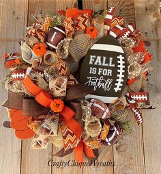Fantastic Screen Fall Wreath tulle Concepts The autumn year or so produces by it warm sturdy colors, feathery appearance and plenty of harvestin Diy Wreath, Burlap Wreath, Wreath Fall, Wreath Ideas, Tulle Wreath, Pumpkin Wreath, Spring Wreaths, Deco Mesh Wreaths, Holiday Wreaths