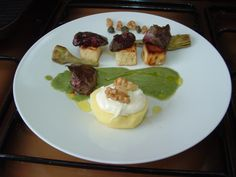 Mela  noci e  gorgonzola  ,carciofi   fegatini e  zucchine ai capperi Gino D'Aquino