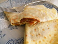 Panqueques de Dulce de Leche (Crepes with Dulce de Leche) - Hispanic Kitchen--MUST figure out a paleo version of this. Argentine Recipes, Chilean Recipes, Chilean Food, Breakfast Dessert, Breakfast Time, Desserts Menu, Dessert Recipes, Spanish Desserts, Mexican Food Recipes