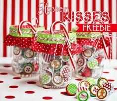 Free Christmas Hersheys Kiss Stickers And Treat Bag Toppers Christmas Kiss, Christmas Goodies, Christmas Treats, Christmas Holidays, Christmas Candy, Christmas Stickers, Homemade Christmas, Xmas, Christmas Neighbor