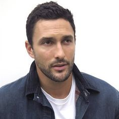 Noah Mills wiki, affair, married, Gay with age, height