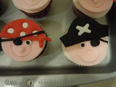 Pirate cupcakes By karmarie on CakeCentral.com