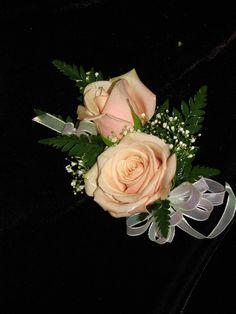 Sahara Rose Lapel Corsage